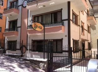 /deeps-hostel/hotel/ankara-tr.html?asq=jGXBHFvRg5Z51Emf%2fbXG4w%3d%3d