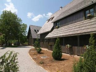 /ethno-houses-plitvica-selo/hotel/plitvicka-jezera-hr.html?asq=5VS4rPxIcpCoBEKGzfKvtBRhyPmehrph%2bgkt1T159fjNrXDlbKdjXCz25qsfVmYT