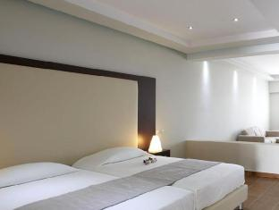 /splendour-resort/hotel/santorini-gr.html?asq=GzqUV4wLlkPaKVYTY1gfioBsBV8HF1ua40ZAYPUqHSahVDg1xN4Pdq5am4v%2fkwxg