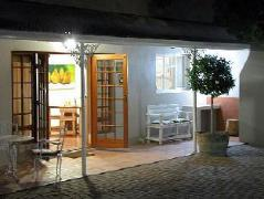 Montagu Four Seasons Guest House   South Africa Budget Hotels