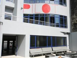 /pilot-design-hostel-bar/hotel/porto-pt.html?asq=5VS4rPxIcpCoBEKGzfKvtBRhyPmehrph%2bgkt1T159fjNrXDlbKdjXCz25qsfVmYT