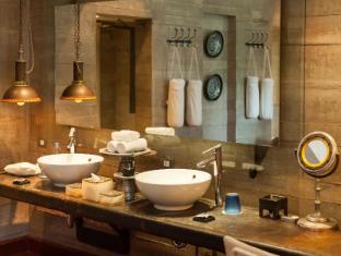 藍珍珠飯店 普吉島 - 衛浴間