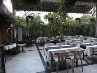 Metropolis Tourist Home New Delhi and NCR - Restaurant