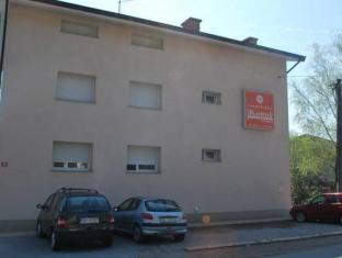 /guest-accommodation-kogoj/hotel/nova-gorica-si.html?asq=5VS4rPxIcpCoBEKGzfKvtBRhyPmehrph%2bgkt1T159fjNrXDlbKdjXCz25qsfVmYT