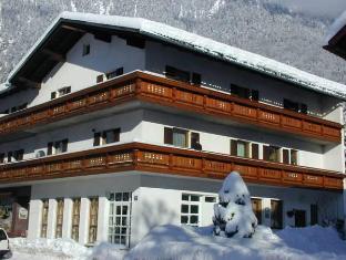 /ar-ae/haus-alpenrose/hotel/obertraun-at.html?asq=jGXBHFvRg5Z51Emf%2fbXG4w%3d%3d