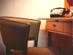 /fi-fi/henri-hotel-hamburg-downtown/hotel/hamburg-de.html?asq=vrkGgIUsL%2bbahMd1T3QaFc8vtOD6pz9C2Mlrix6aGww%3d