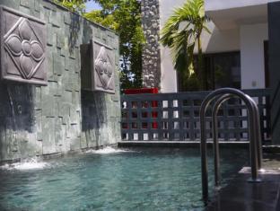 The Nchantra Pool Suite Phuket Phuket - Swimming Pool