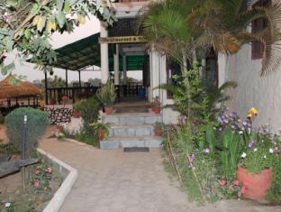 Hotel River Side Chitwan - طعام و مشروبات