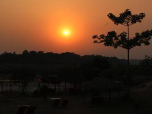 Hotel River Side Chitwan - Sunset view from Hotel Riverside