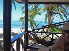 Ratu Kini Backpackers and Dive Resort | Mamanuca Islands Fiji Hotels Cheap Rates
