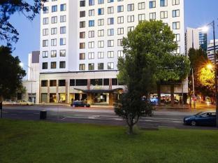 โรงแรมเรดิสัน ออน แฟลกสตาฟ การ์เด้นส์