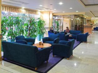 Danubius Hotel Arena Budapest - Hotel Lobby