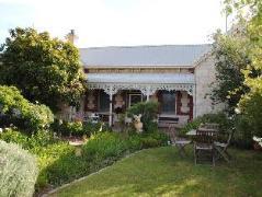 Eastcliff Cottage Bed & Breakfast