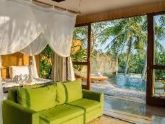 Motama Villa, Indonesia