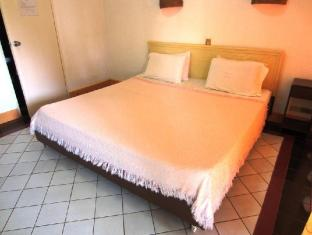 Estaca Bay Resort Cebu - Deluxe Room