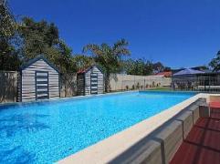Rosebud Beachside Vista Holiday House