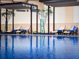JA Ocean View Hotel Dubai - Zwembad