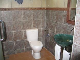 Sarakraf Pavilion Kuching - Bathroom