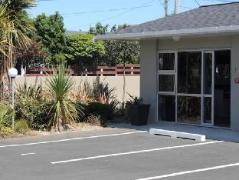Fitzroy Beach Motel   New Zealand Budget Hotels