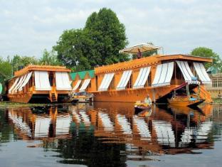 /new-jacquline-heritage-houseboats/hotel/srinagar-in.html?asq=jGXBHFvRg5Z51Emf%2fbXG4w%3d%3d