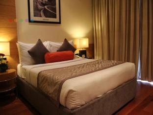 Radisson Blu Marina Hotel Connaught Place New Delhi and NCR - Deluxe Room