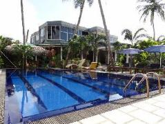 Maple Leaf Hotel | Sri Lanka Budget Hotels