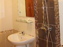 Phommala Hotel: bathroom