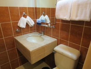 Citystate Tower Hotel Manila - Bathroom
