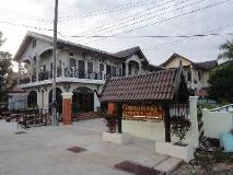 Bundavong Hotel: exterior