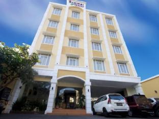 Summer Season Hotel
