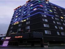 F1 Hotel: