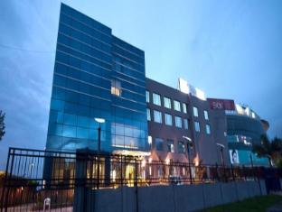 /golden-plaza-hotel/hotel/chandigarh-in.html?asq=jGXBHFvRg5Z51Emf%2fbXG4w%3d%3d