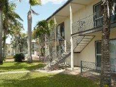 Ocean Breeze Apartments | Australia Budget Hotels