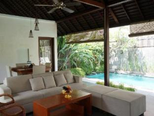 The Astari Villa & Residence Bali - Villa Living Room & Swimming Pool