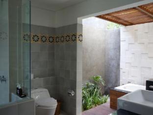 The Astari Villa & Residence Bali - Bathroom