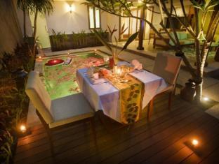 The Astari Villa & Residence Bali - Candle Light Dinner