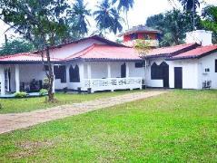Whitehouse Guest House | Sri Lanka Budget Hotels