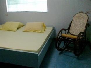 11 Cologne Manila - Guest Room