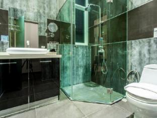 โลตัส วิลล่า แอนด์ รีสอร์ทหัวหิน (ชื่อเดิม แบล็คโลตัส รีสอร์ท แอนด์ สปา ) หัวหิน/ชะอำ - ห้องน้ำ