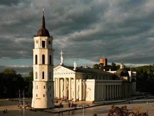 /kempinski-hotel-cathedral-square/hotel/vilnius-lt.html?asq=5VS4rPxIcpCoBEKGzfKvtBRhyPmehrph%2bgkt1T159fjNrXDlbKdjXCz25qsfVmYT