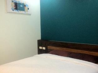 Benjamas Place Phuket - Deluxe Double Bed