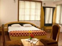 Highway Inn International: guest room
