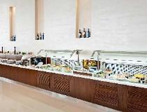 Novotel Abu Dhabi Gate Hotel: buffet
