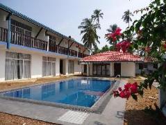Sunset Beach Motel | Sri Lanka Budget Hotels