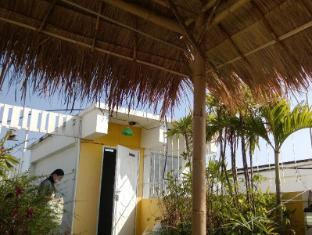A Little Bird 2 Guesthouse Chiang Mai - Balcony/Terrace