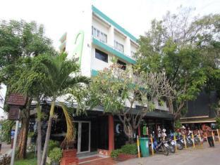 River Inn Hotel
