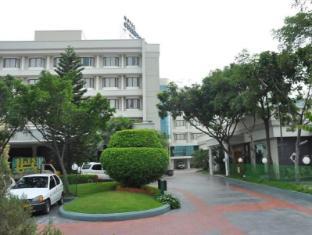 /hotel-cenneys-gateway/hotel/salem-in.html?asq=jGXBHFvRg5Z51Emf%2fbXG4w%3d%3d