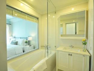 1-Bed Apartment at National Stadium BTS Station Bangkok - 1 Bedroom Deluxe with bathtub