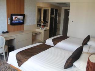 Somerset Surabaya Hotel Surabaya - Konuk Odası