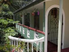 Hill Crest Home Hanthana | Sri Lanka Budget Hotels